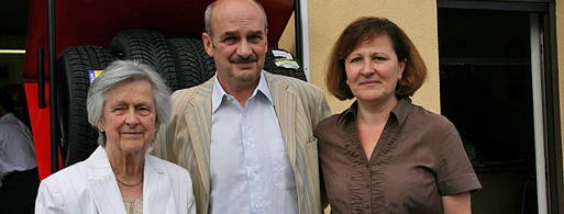 Helga Uthardt mit ihrem Sohn Frank und ihrer Schwiegertochter Karin Uthardt
